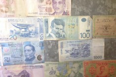 Currency Wall 03